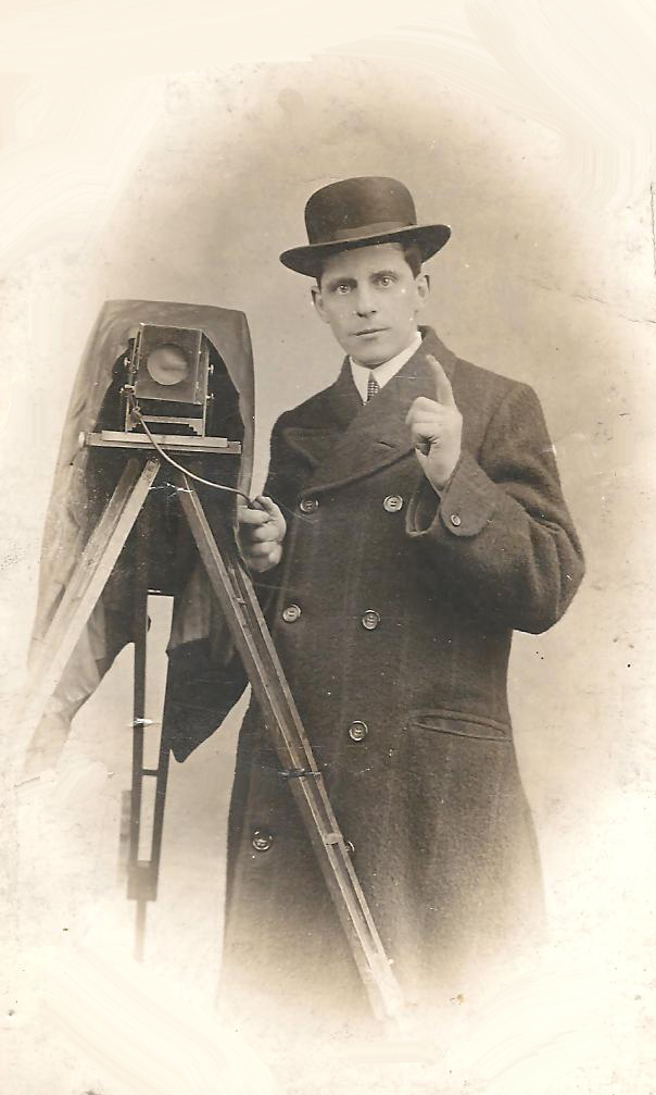 Dating Old Photographs  Photographers 1840  1940 Great