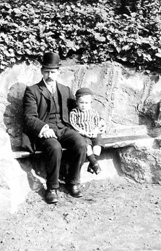 Ernest Spencer and his youngest son Rupert - about 1907