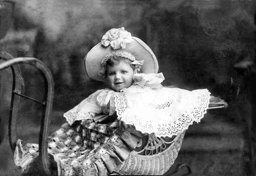Marcus Guttenbergs' daughter Daisy about 1885