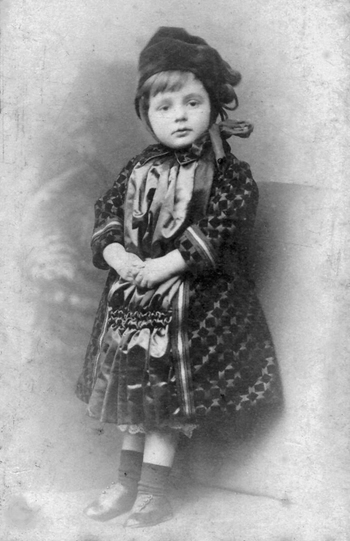 Marcus Guttenbergs' daughter Daisy about 1890