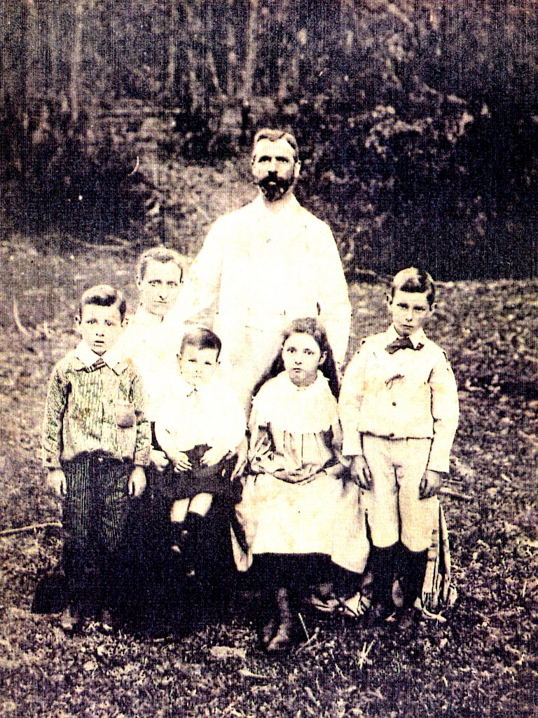 1896 approx Australia Helen Taylor (nee Donald) and husband Peter Fletcher Taylor and children LtoR James, Lewis, Annie and Charles