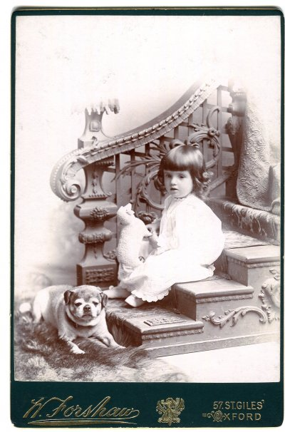 04-Bored-dog-cabinet-card-1890s-Oxford