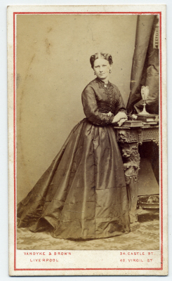 Vandyke & Brown carte de visite photograph 2