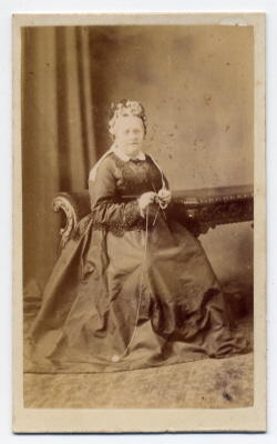 Mary Huther carte de visite photograph 1