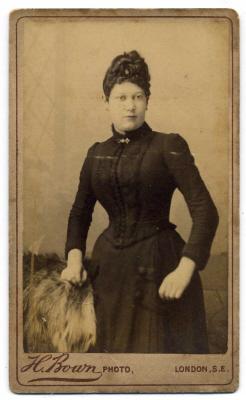 Henry Bown photograph 13 - carte de visite