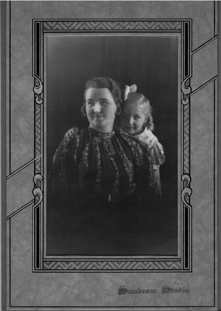 Lily May Hinchcliffe and daughter Jessie at Sunbeam Studios, Henry Hinchcliffe's Studio about 1932