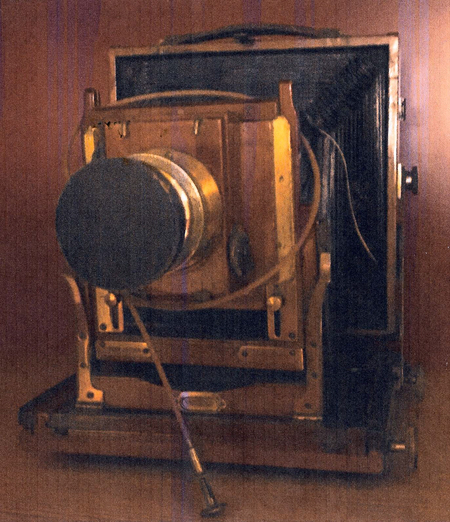 Henry Hinchcliffe's camera - 1 adjusted 96dpi